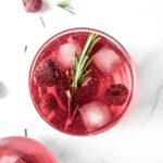 festive-cranberry-mocktail