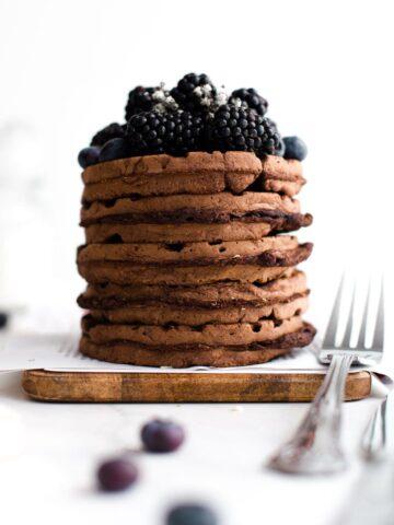 vegan-chocolate-waffles